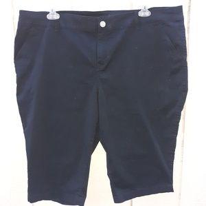 Lane Bryant size 24 black capris